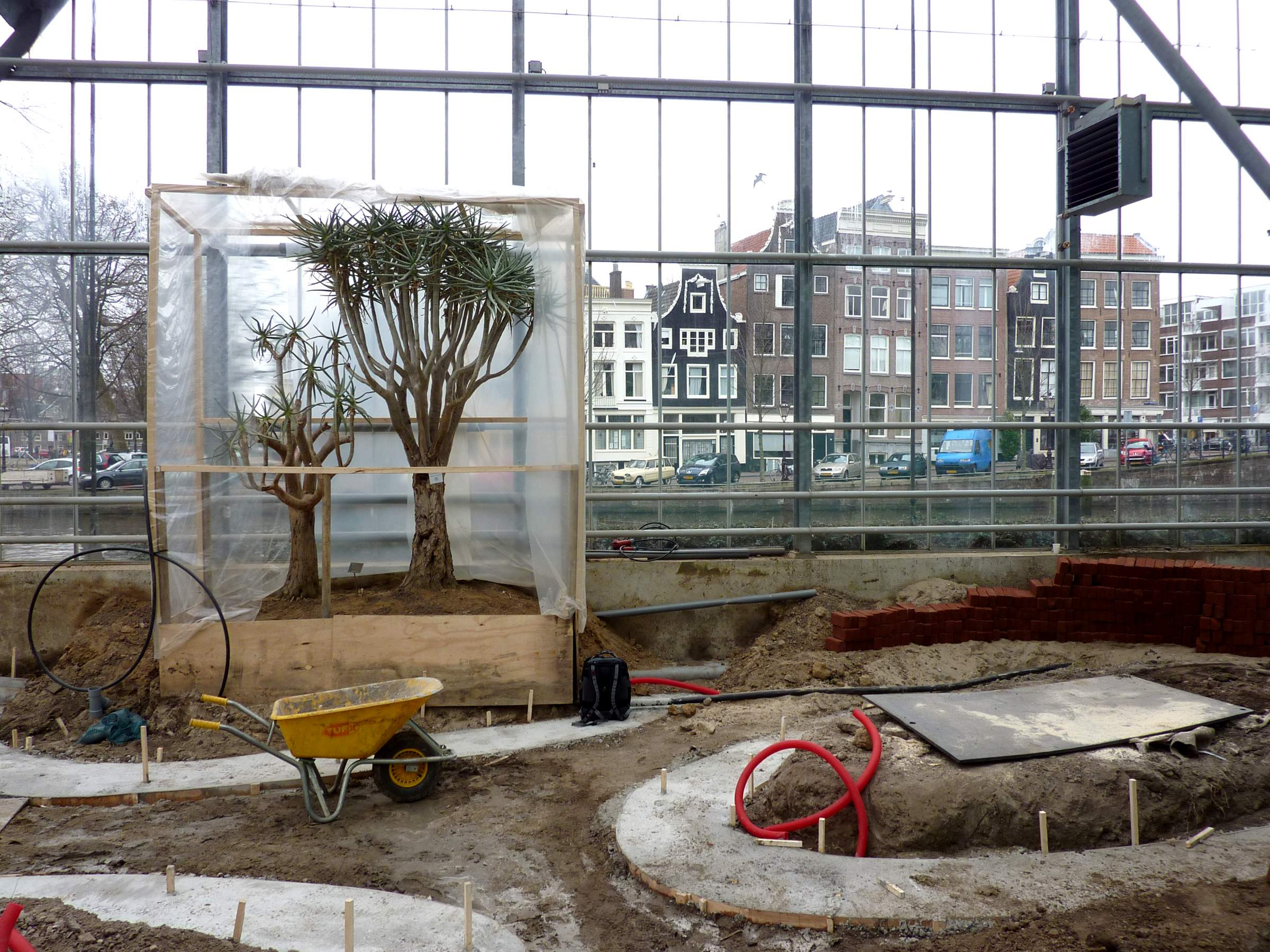 LANDLAB Hortus Botanicus Amsterdam Desert Green House_under Construction