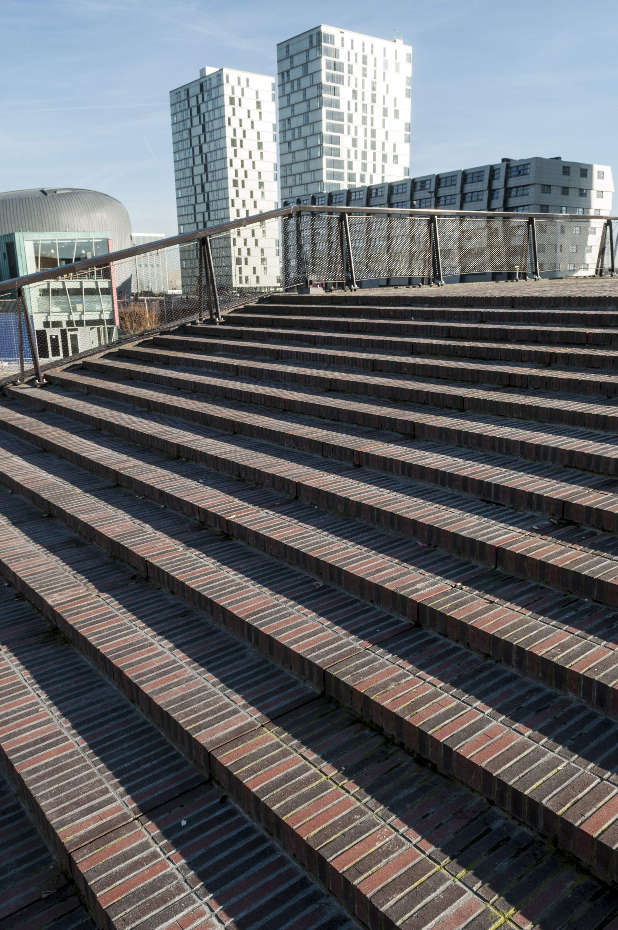 LANDLAB Weerwaterplein roof steps_photo by Hans Hebbing