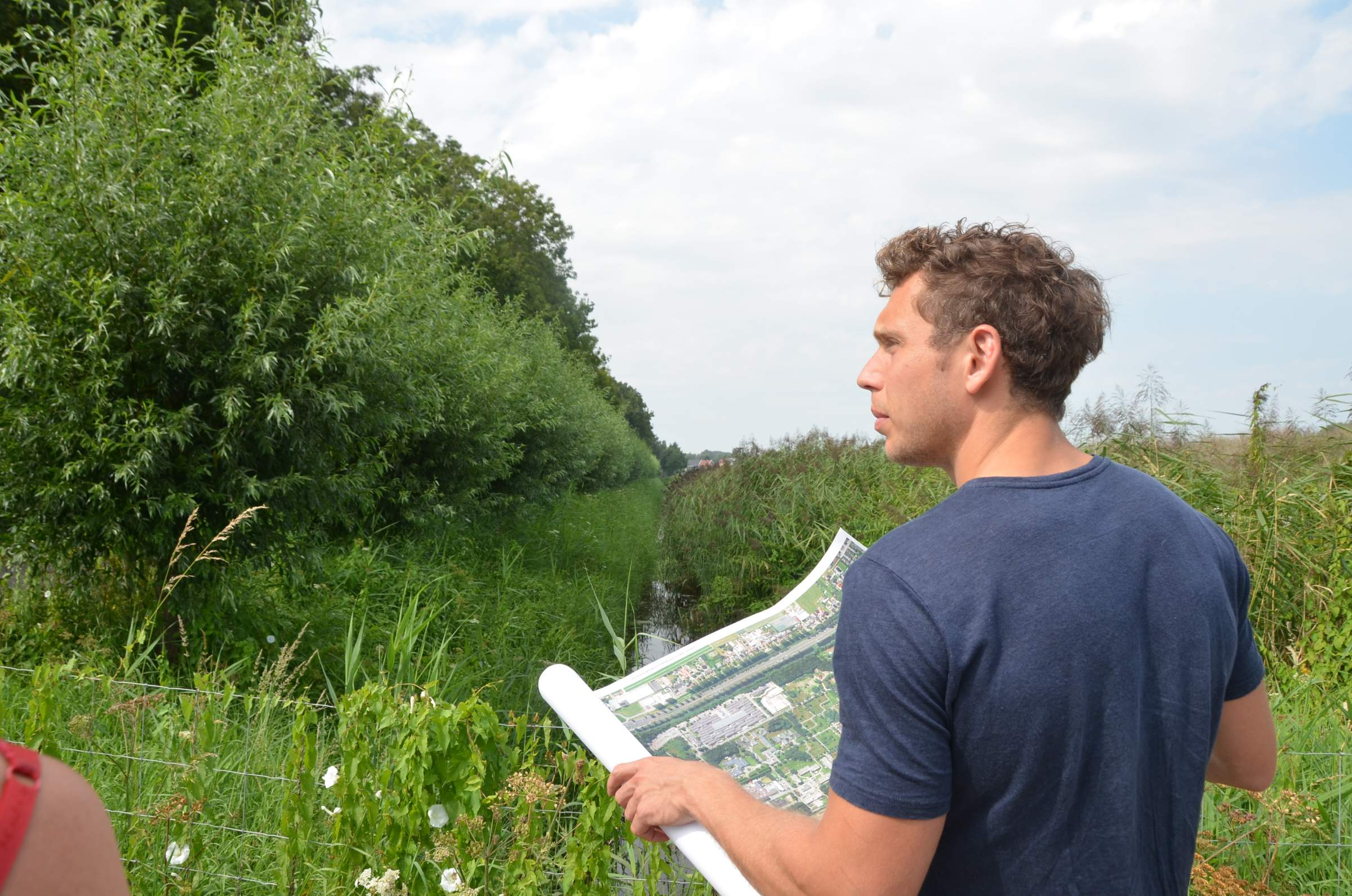 LANDLAB's Luc Joosten checking trees in Wickevoort
