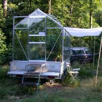 LANDLAB 2002 Triennale Mobile greenhouse by Ed Joosting Bunk